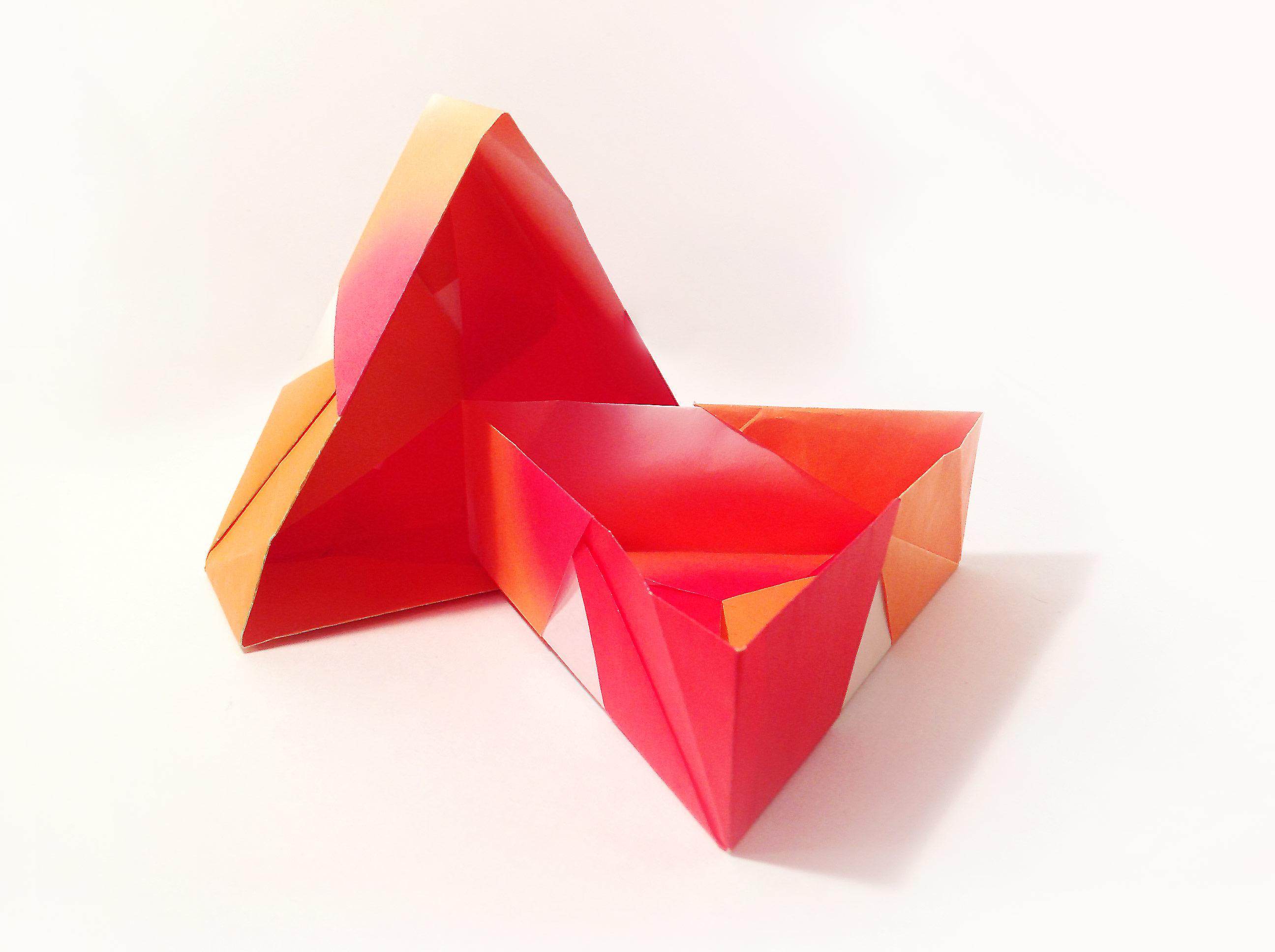Triangular Origami Box by Carrie Gates